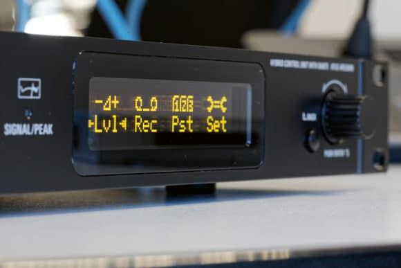 OLED-Display mit wichtigen Informationen