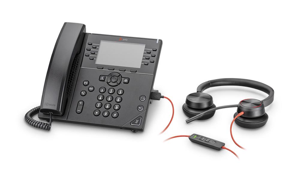 Headset am Telefon angeschlossen