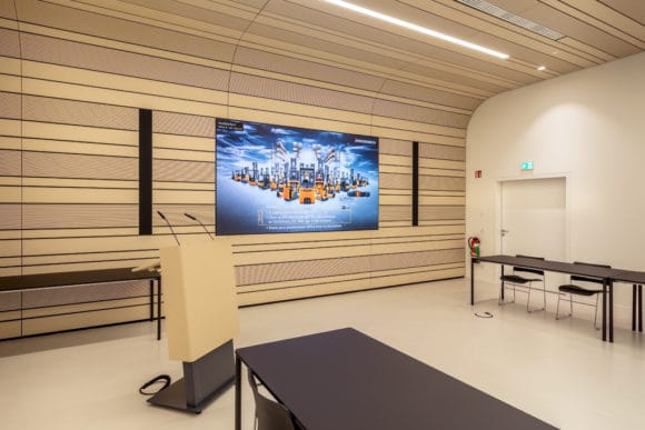 Auditorium mit LED-Screen