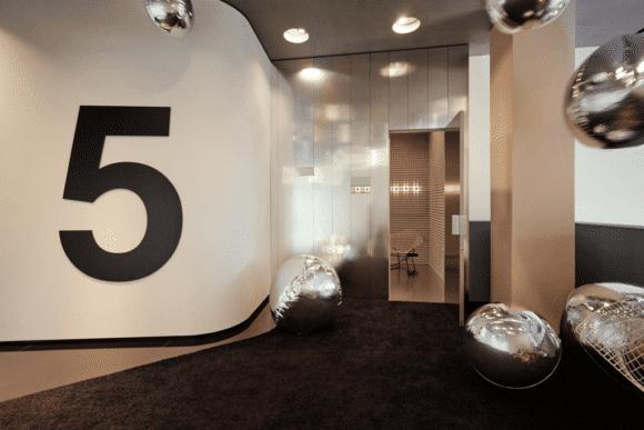 Studio Odeonsplatz by Mercedes-Benz Station 5